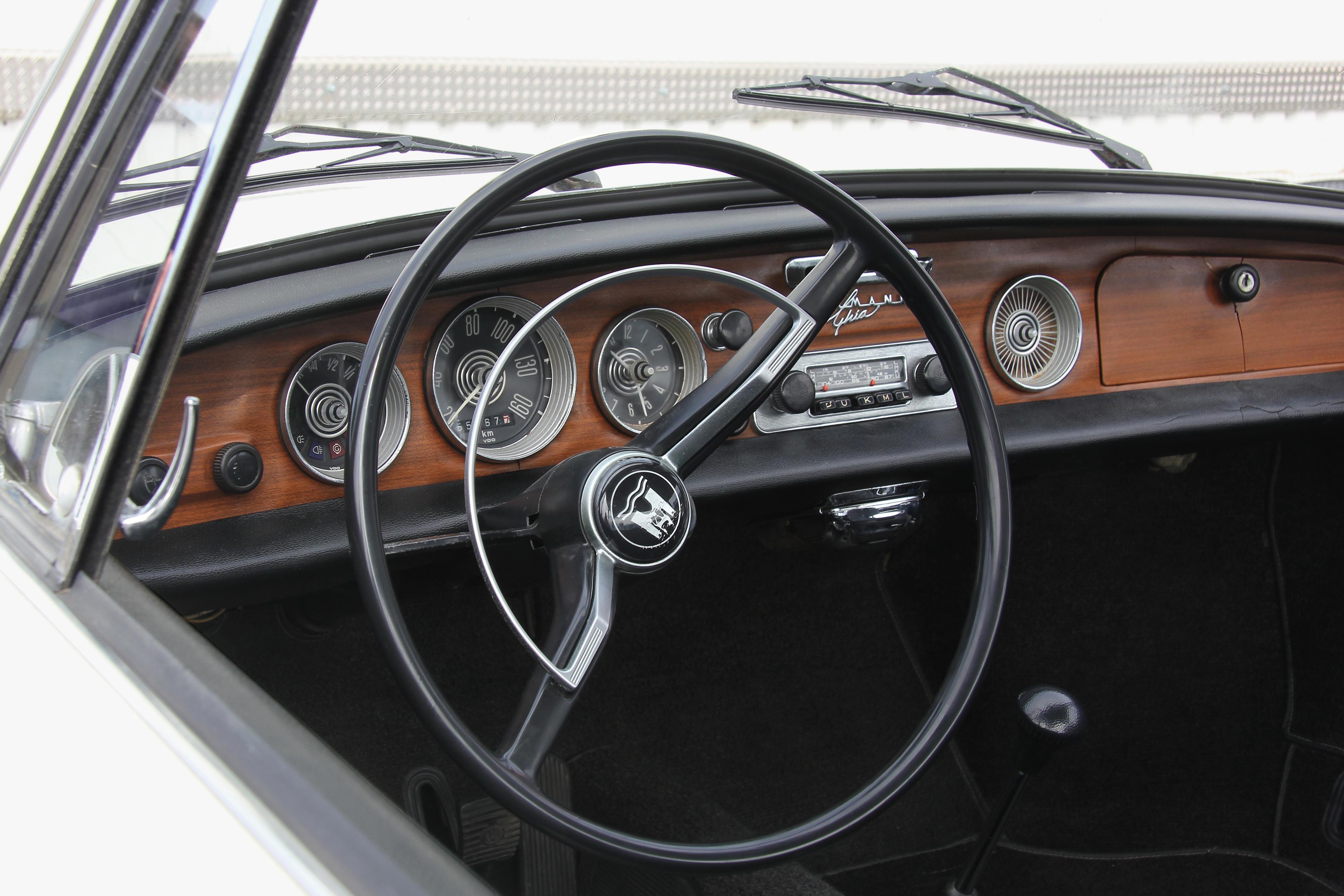 Typ 34 O Patinho Feio Da Karmann Ghia 1950 Volkswagen A Idia De Fazer Um Linhas Mais Modernas No Veio Do Envelhecimento Carro Original Tudo Comeou Final Dos Anos