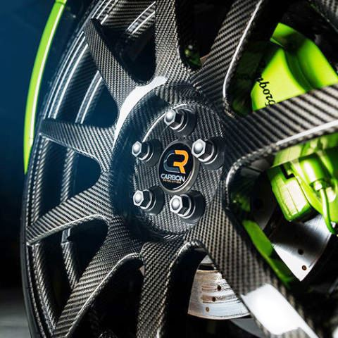 gallery-1450387385-carbon-revolution-carbon-fiber-wheel