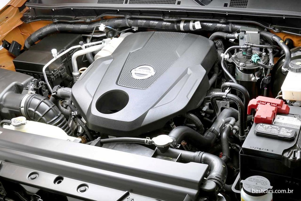 Nissan-Frontier-LE-06