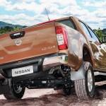 Nissan-Frontier-LE-15