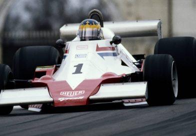 Conheça a única mulher que venceu com um carro de Fórmula 1