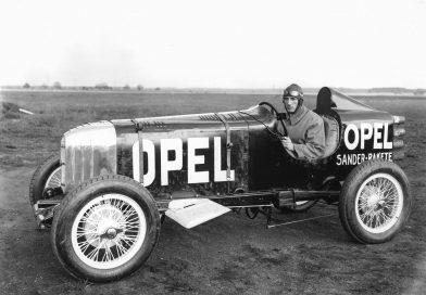 Carro-foguete da Opel completa 90 anos