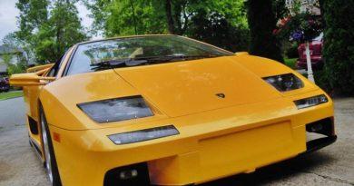 Este Lamborghini Diablo custa cerca de US$ 75 mil, mas tem um detalhe…