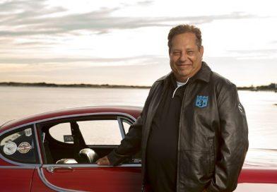 Morreu Irv Gordon, aquele que passou a vida dirigindo seu Volvo P1800 S 1966