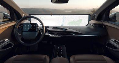 Parece o interior de um concept, mas é de um carro de produção