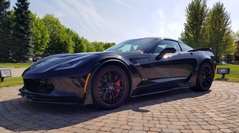 Chevrolet: último Corvette com motor dianteiro já foi leiloado. Sabe por quanto?