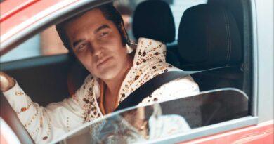Vídeos: FIAT e a certeza de que Elvis não morreu